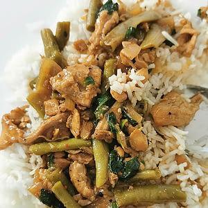 Poulet sauté aux haricots & basilic thaï