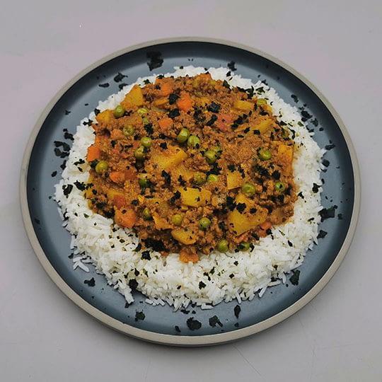 Curry de bœuf haché et légumes