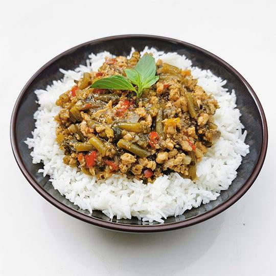 Sauté de poulet au basilic thaï
